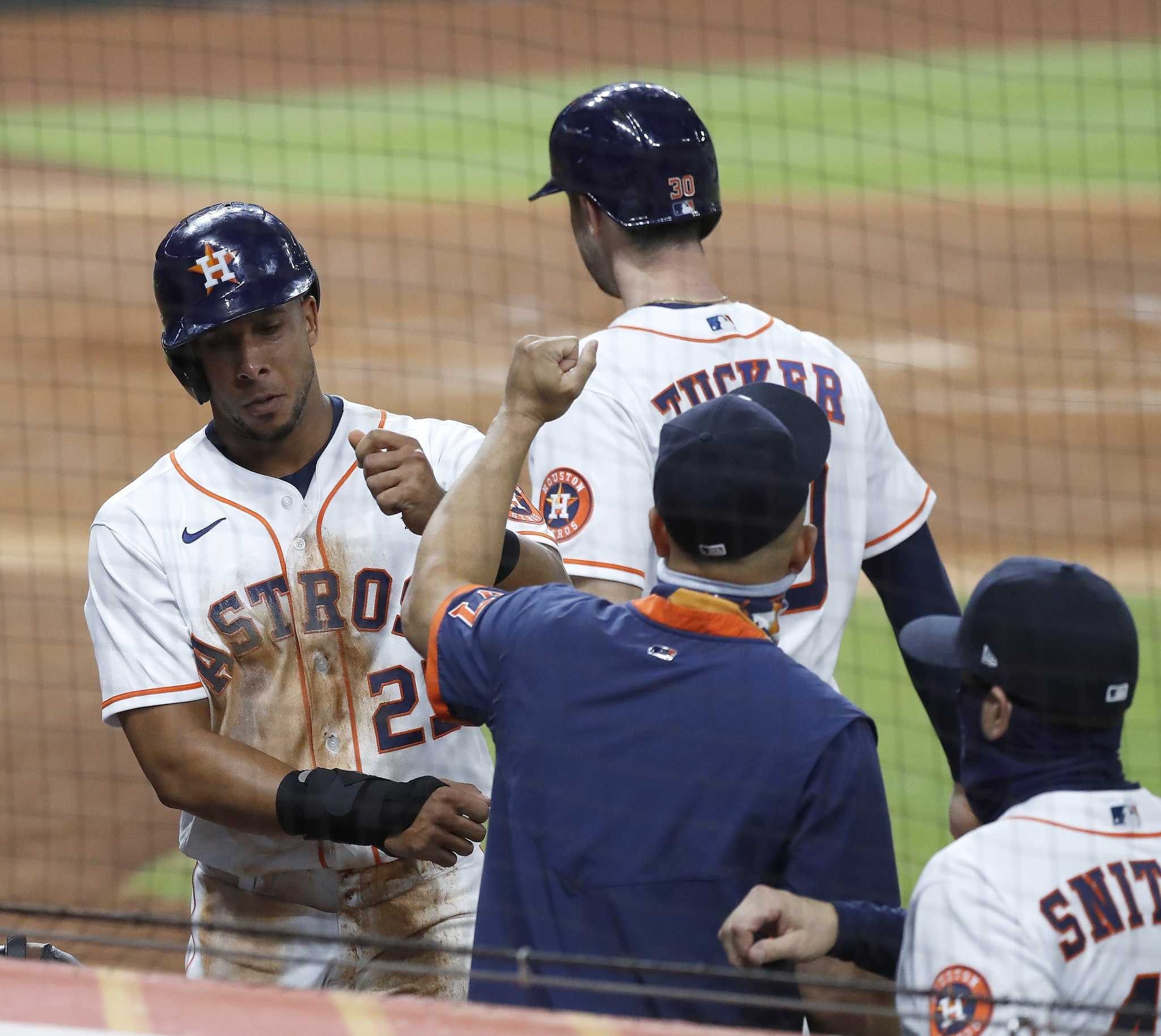 Astros' Michael Brantley adjusting to DH role