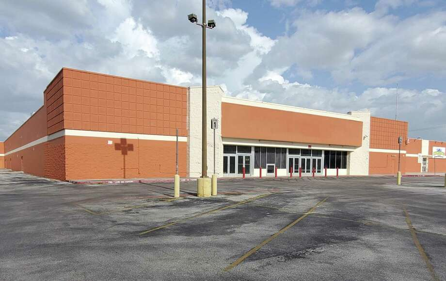 Goodwill San Antonio expects to close next month on the 120,000 square-foot former Walmart store in Windcrest. Officials expect to have their transportation, logistics and warehousing operations center moved there by late 2021. Photo: Jeff B. Flinn /Staff