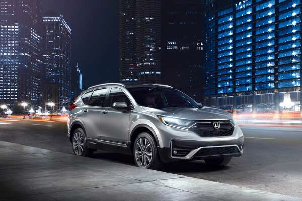 In front, broad openings for the fog lights are fully integrated into the bumper, giving the 2020 CR-V a more aggressive look, while the chrome grille is more pronounced.