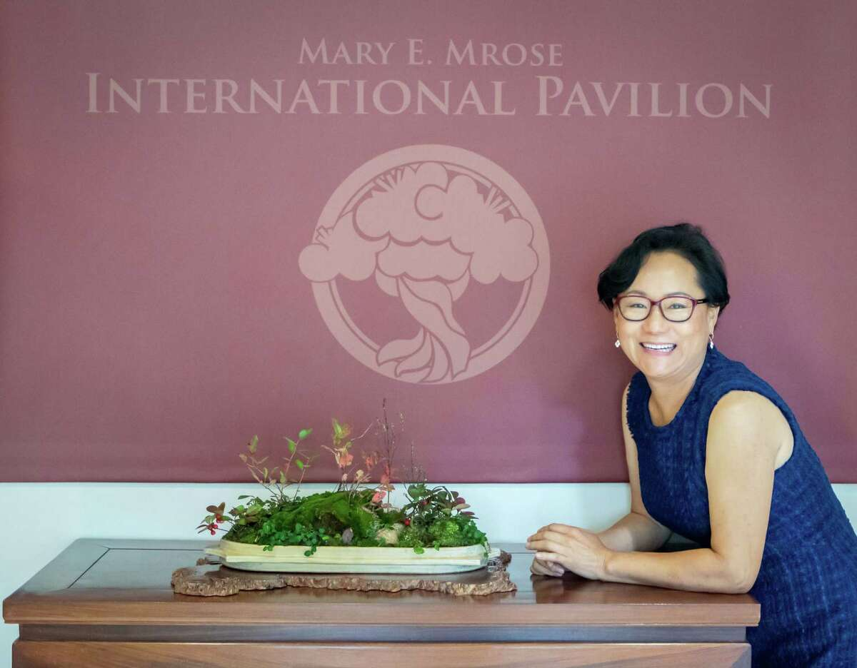 Young Choe is a volunteer at the National Bonsai and Penjing Museum, where many of her kusamono compositions are displayed on a rotating basis. The museum is currently closed due to the pandemic.