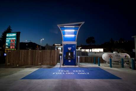 A hydrogen fueling pump stands at a TrueZero station at dusk in Mill Valley, Calif., on Feb. 23, 2018. MUST CREDIT: Bloomberg photo by David Paul Morris.