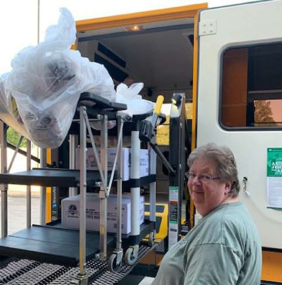 Magnolia ISD delivers meals to children during the COVID-19 pandemic.