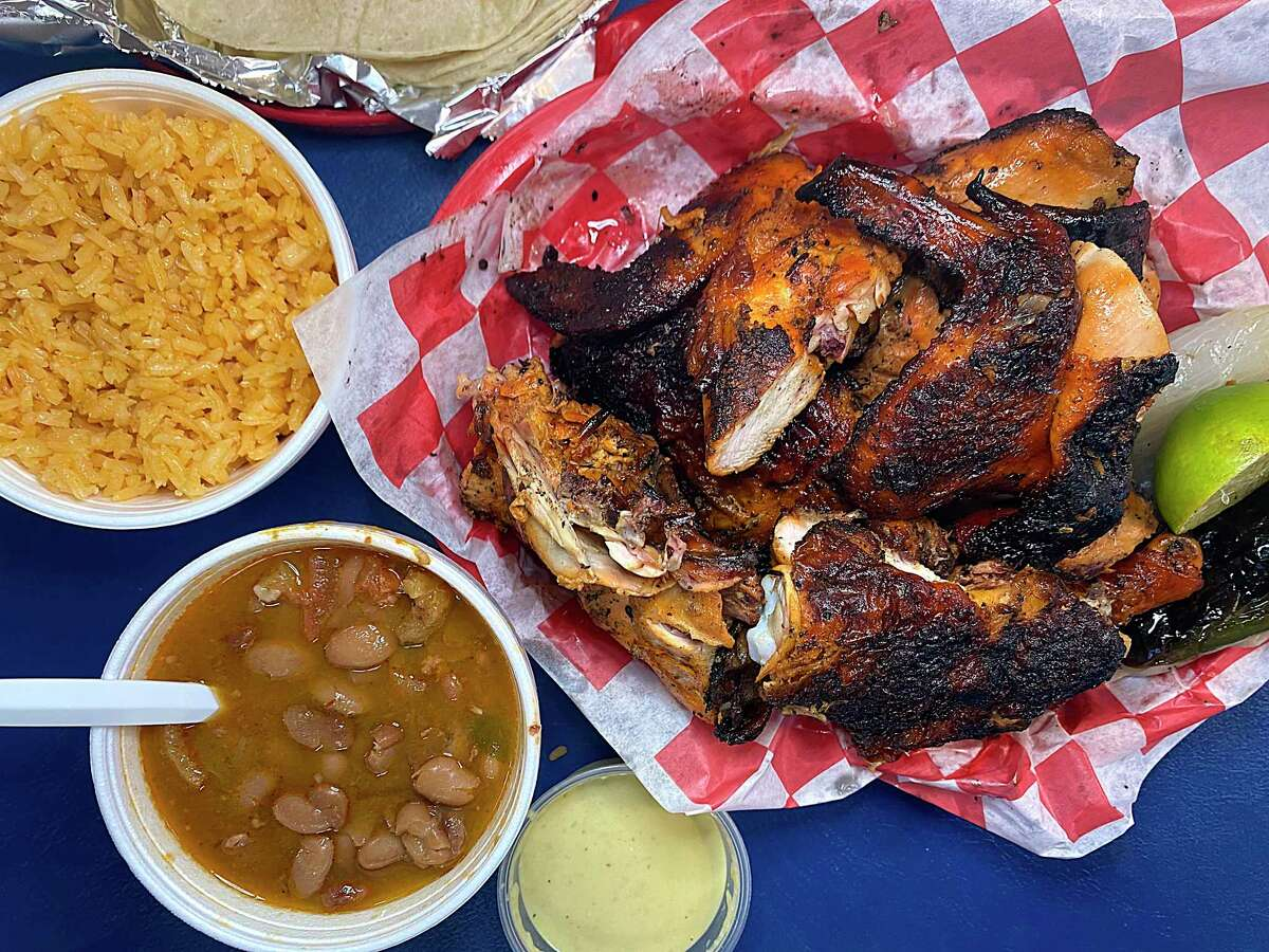 The grills are fired up at the new location of Al Carbon Pollos Asados, a San Antonio favorite for charcoal-grilled chicken.