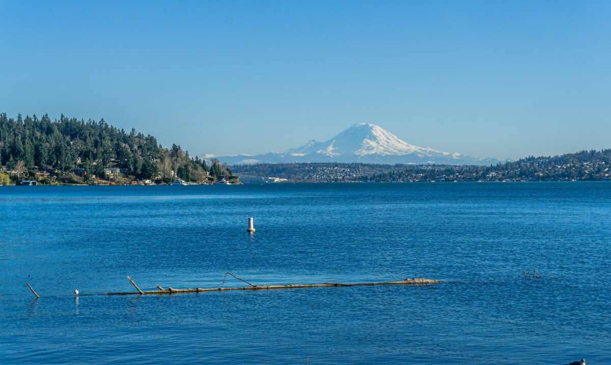 Swimming areas at Madison, Magnuson, West Green Lake and Pritchard beaches are now open with lifeguards on duty. Mount Baker and Madrona beaches remain closed due to high levels of bacteria present in the water. All open Seattle parks require social distancing, and larger waterfront parks like Seward, Magnuson, Lincoln, Discovery and Carkeek provide adequate space to stay apart from other groups.  While it has smaller shore areas, Green Lake has plenty of grassy fields for picnics, making it another good spot to get some waterfront action. Many Seattle parks are closing at 9:30 p.m. to prevent evening crowds. You can check what's open here. Parking lots may also be temporarily closed, which you can check here.
