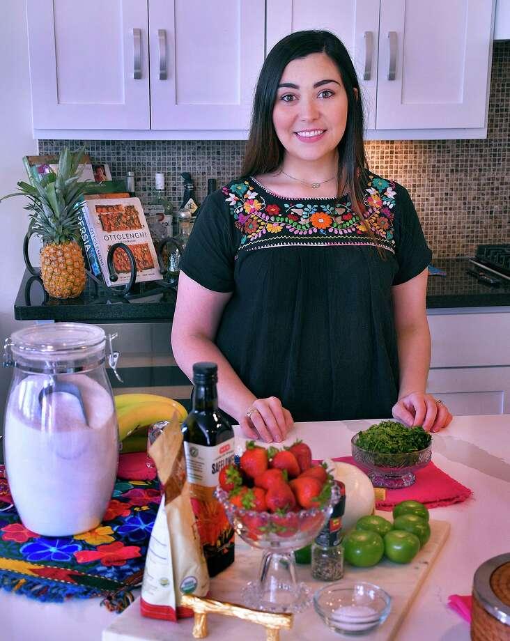 """La laredense Alexandra """"Lexi"""" Oliveros-Gatefield fue una de las ganadoras de un concurso patrocinado por FUD USA y H-E-B para cocinar junto a la famosa chef Pati Jinich en un programa virtual el jueves 30 de julio de 2020. Photo: Cuate Santos /Laredo Morning Times / Laredo Morning Times"""
