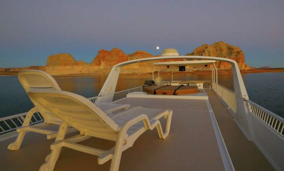 he upper deck of an Excursion houseboat on Lake Powell in the Glen Canyon National Recreation Area, which spans northern Arizona and southern Utah. Photo: Aramark / The Washington Post
