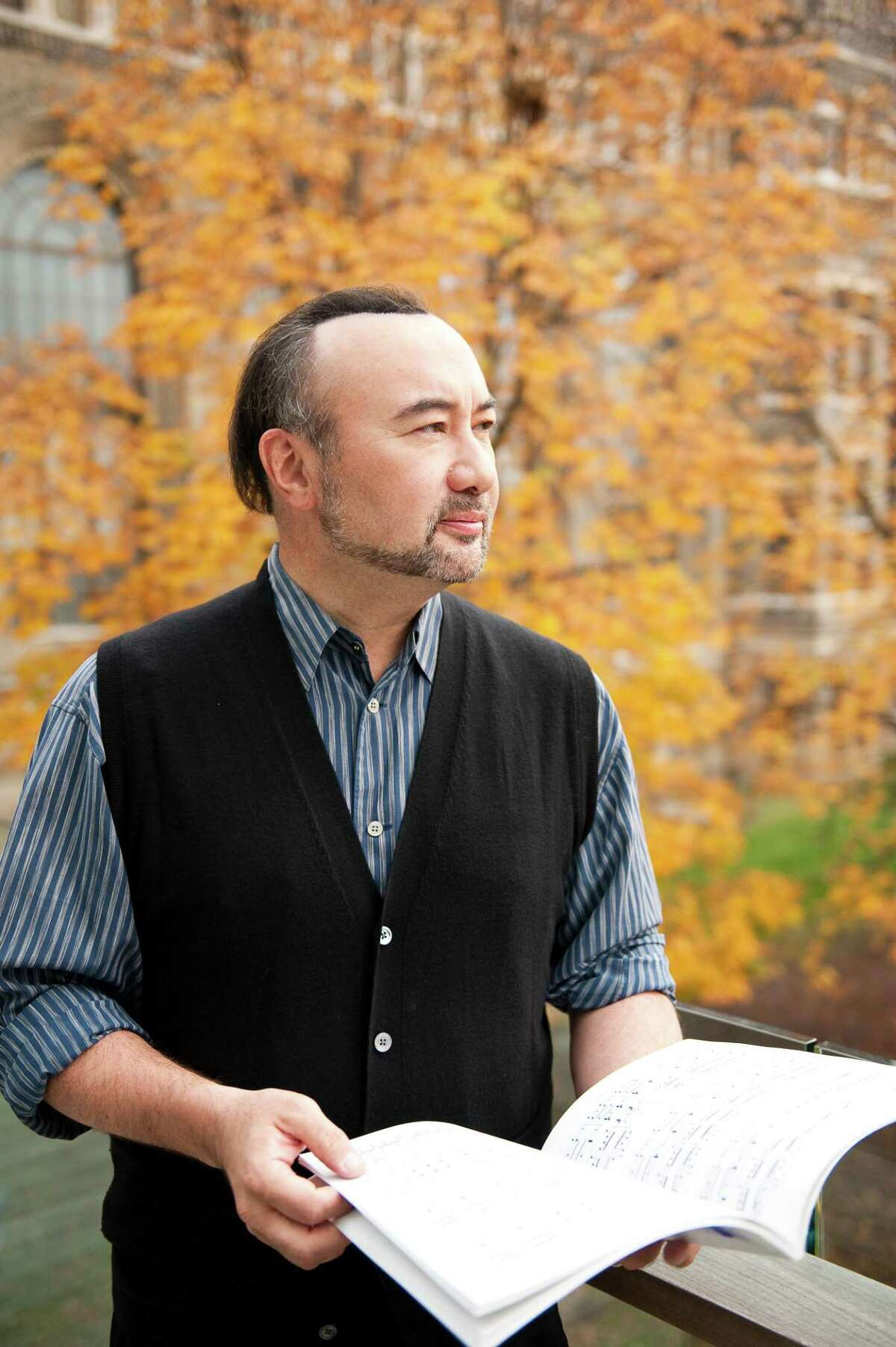 Pianist Jon Kimura Parker is one of dozens of classical music artists offering one-on-one lessons via VirtuMasterClass, a new web site created by Sebastian Lang-Lessing.