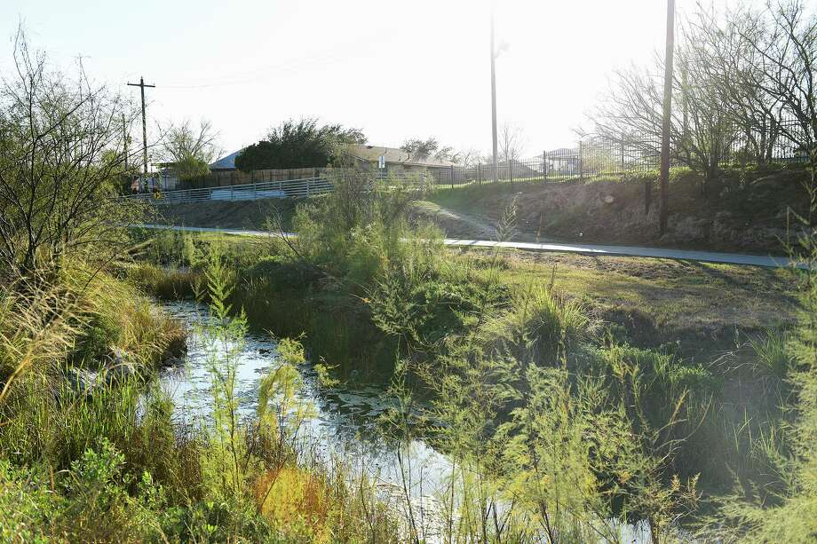 A view of the Villa Del Sol neighborhood is seen from east of the Chacon Creek on Feb. 7, 2020. Photo: Danny Zaragoza /Laredo Morning Times