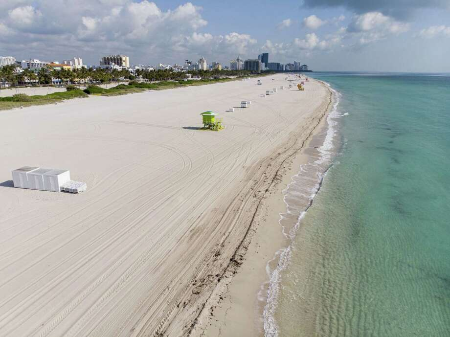 An aerial view of Miami's empty South Beach in 2020. Photo: Bloomberg Photo By Marco Bello / Bloomberg