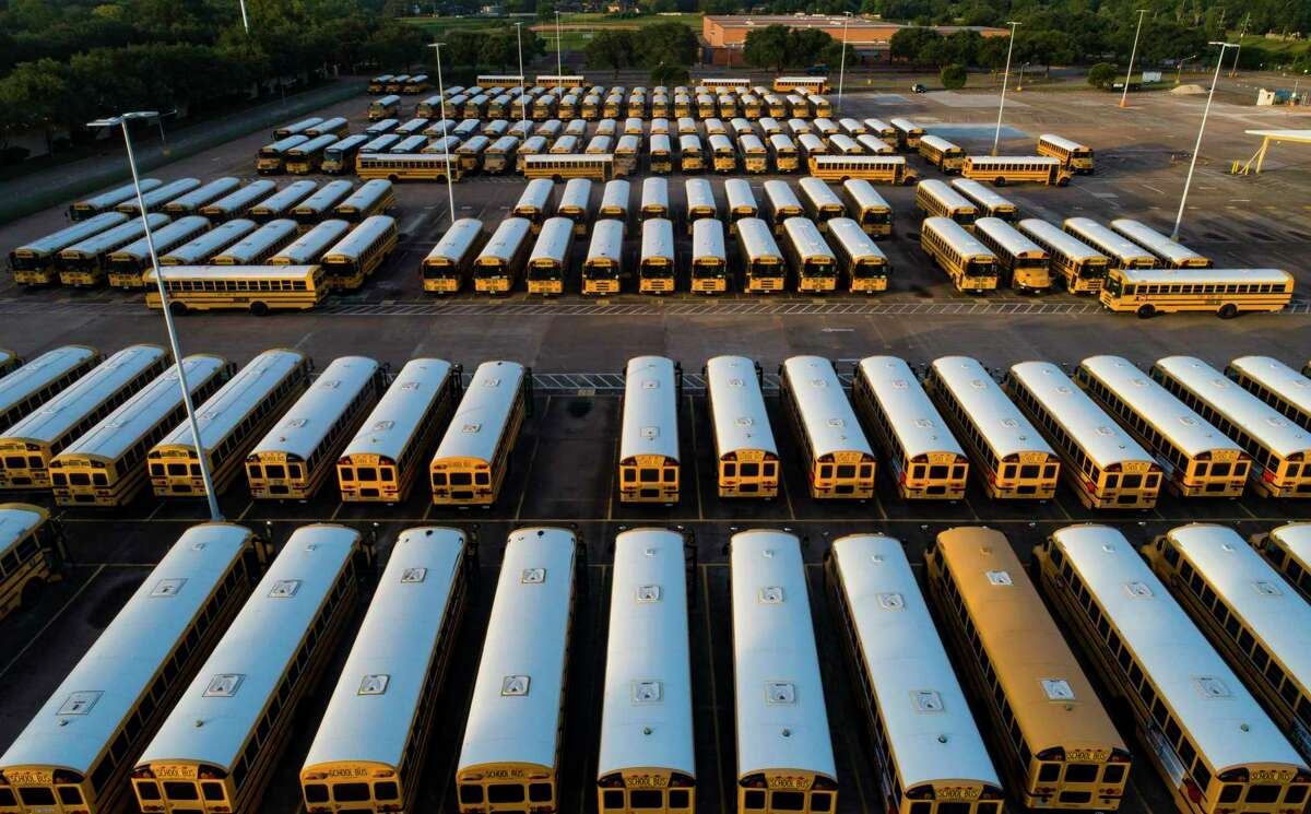 The author contends the Texas Administrative Code gives local health officials the authority to close schools during the pandemic, despite an opinion by Attorney General Ken Paxton that the governor backed Friday.