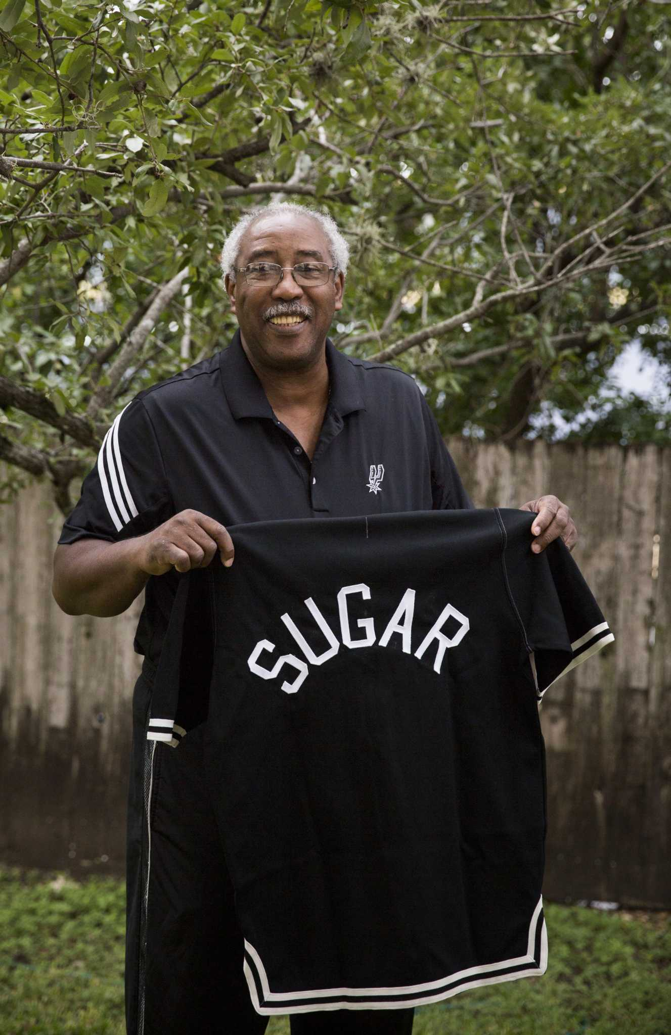 Former Spurs Teammates Recall Mike Gale S Defense Upbeat Personality Expressnews Com