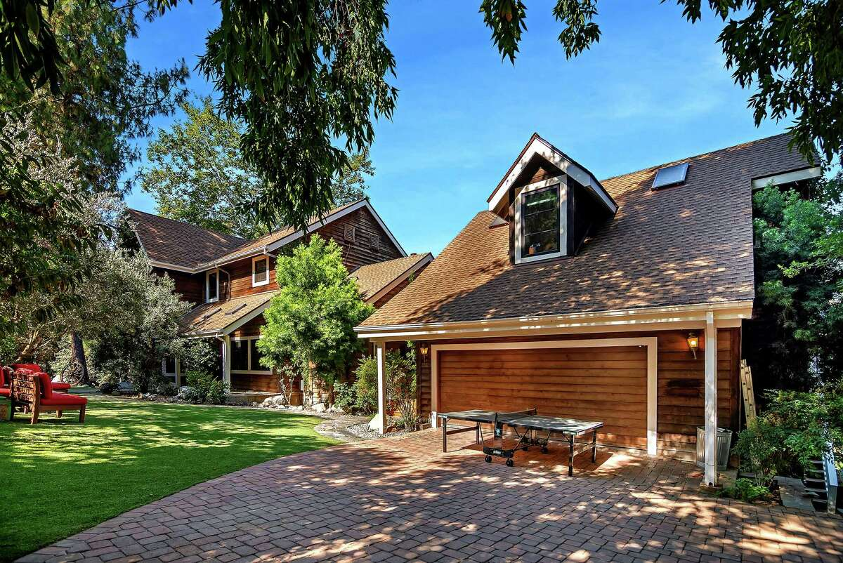 It's no beet farm, but Rainn Wilson's Agoura Hills, California, house, listed for $1.699 million, features a rustic charm complete with some barns. The three-bedroom house has about 3,300 square feet of living space, a family room with a brick fireplace and an updated kitchen. Rustic details include an vintage stove in the living room and a wagon wheel in the front yard. (Kevin Dole/TNS)