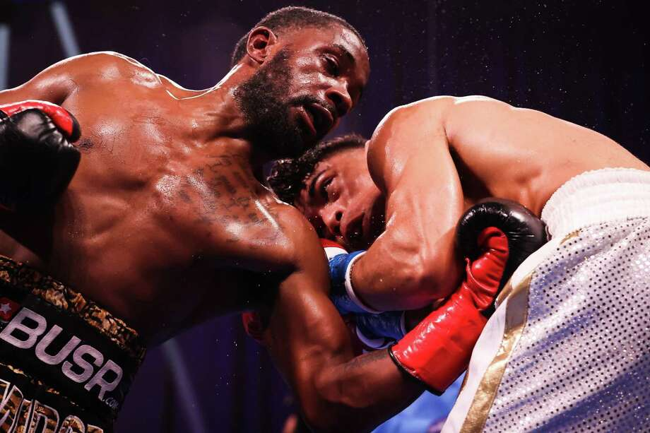 New Haven's Tramaine Williams lost a title bout to Angelo Leo at Mohegan Sun Arena Photo: Amanda Westcott / Showtime