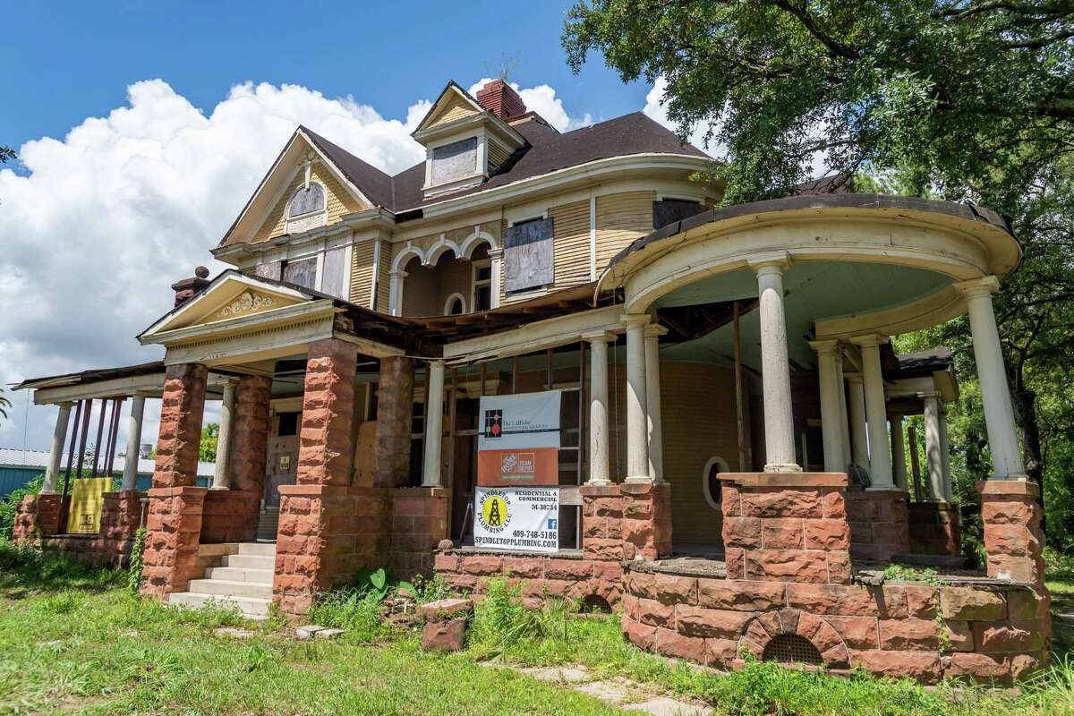 The front of the house. The Caroline Gilbert Hinchee House in downtown Beaumont held a work day at the historic residence on Saturday, July 18, 2020 to continue work on the restoration. Photo made on July 18, 2020. Fran Ruchalski/The Enterprise