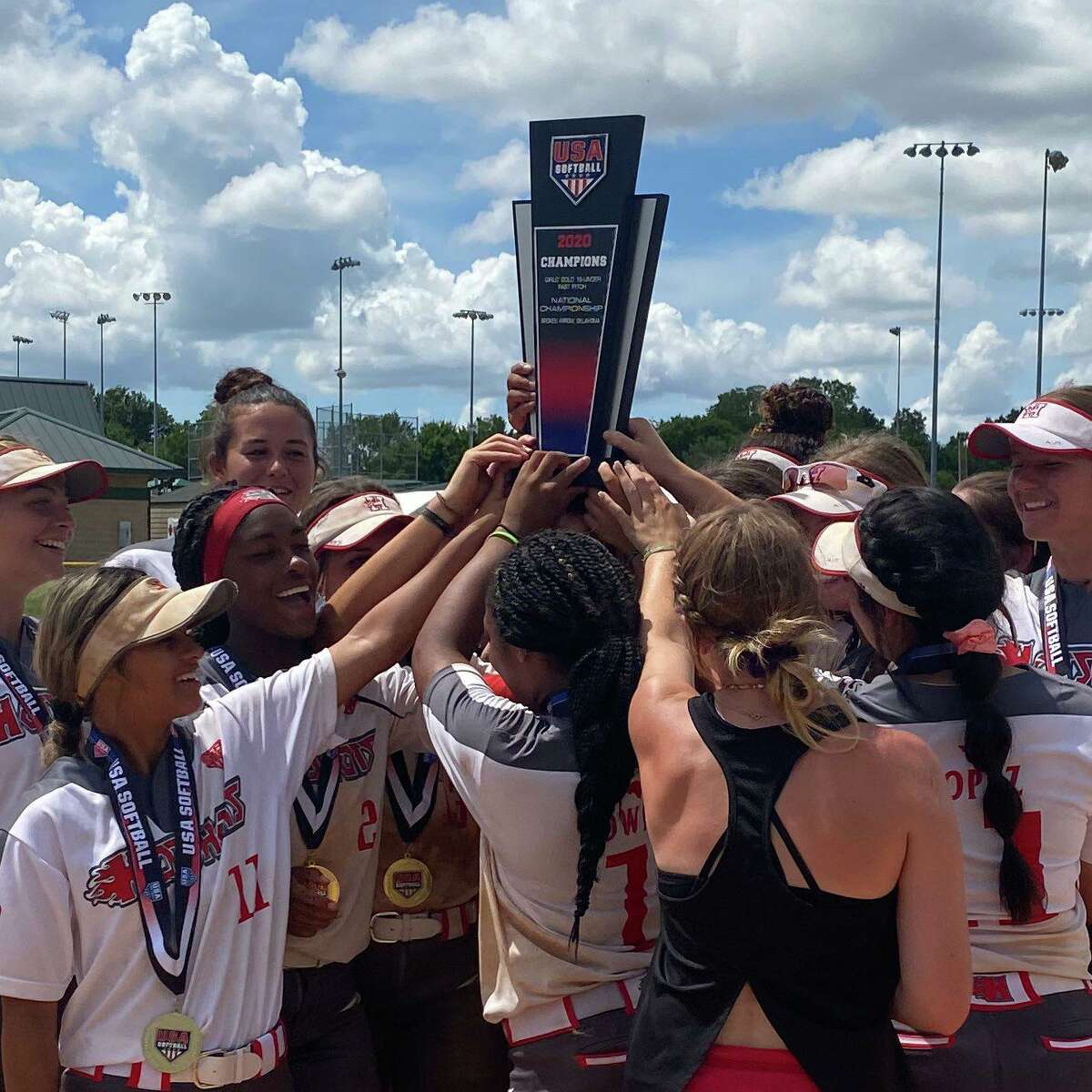 Hotshots Premier Nelson won the 16U national championship at theUSA Softball Gold National, July 20-25 in Oklahoma.
