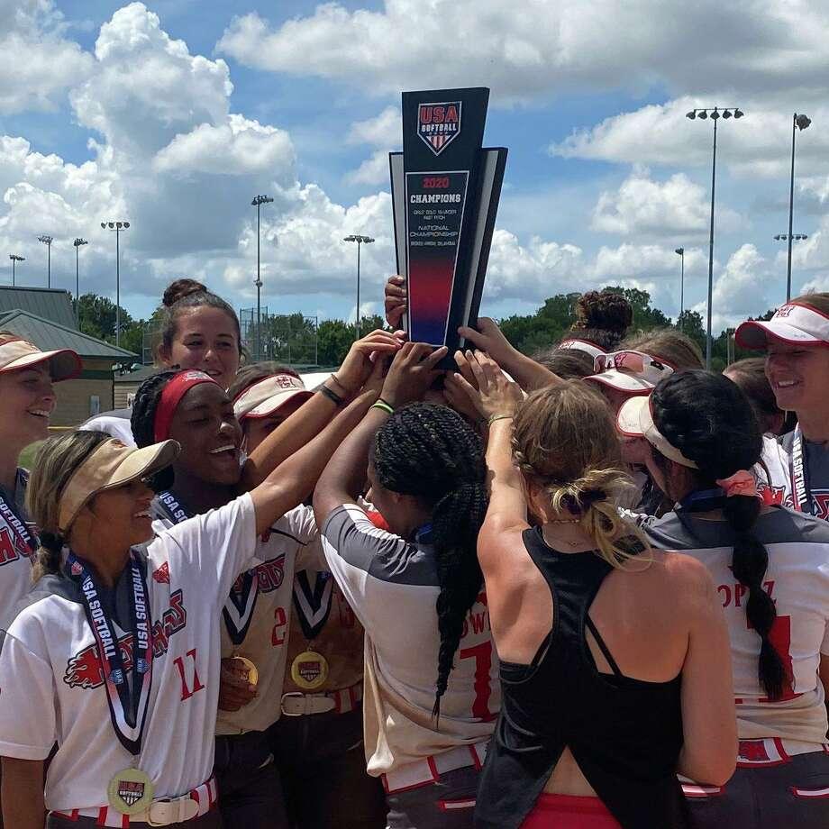 Hotshots Premier Nelson won the 16U national championship at theUSA Softball Gold National, July 20-25 in Oklahoma. Photo: USA Softball
