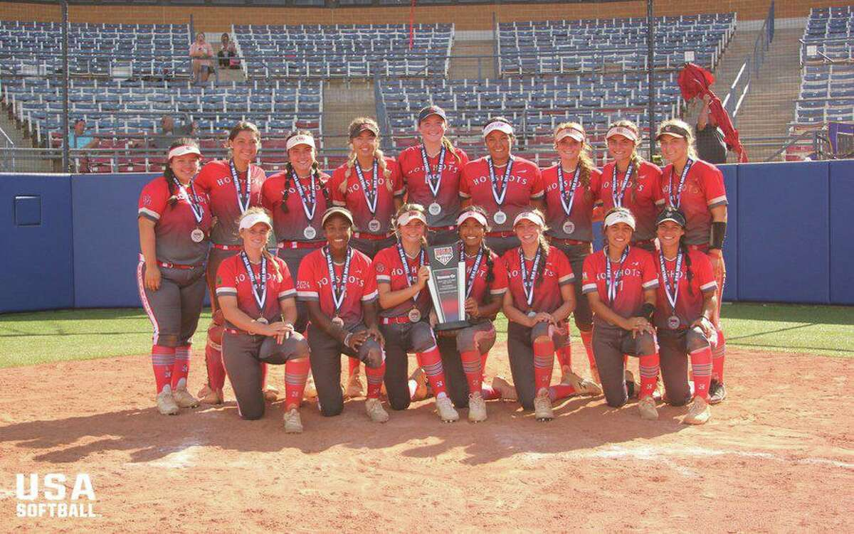 Hotshots Premier Dumezich was the 18U national runner-up at theUSA Softball Gold National, July 20-25 in Oklahoma.