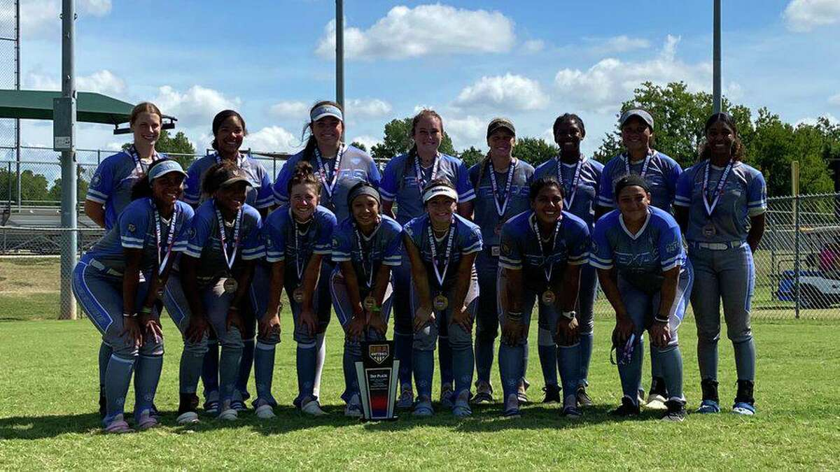 Texas Bombers Burgess finished third in the 16U division at theUSA Softball Gold National, July 20-25 in Oklahoma.