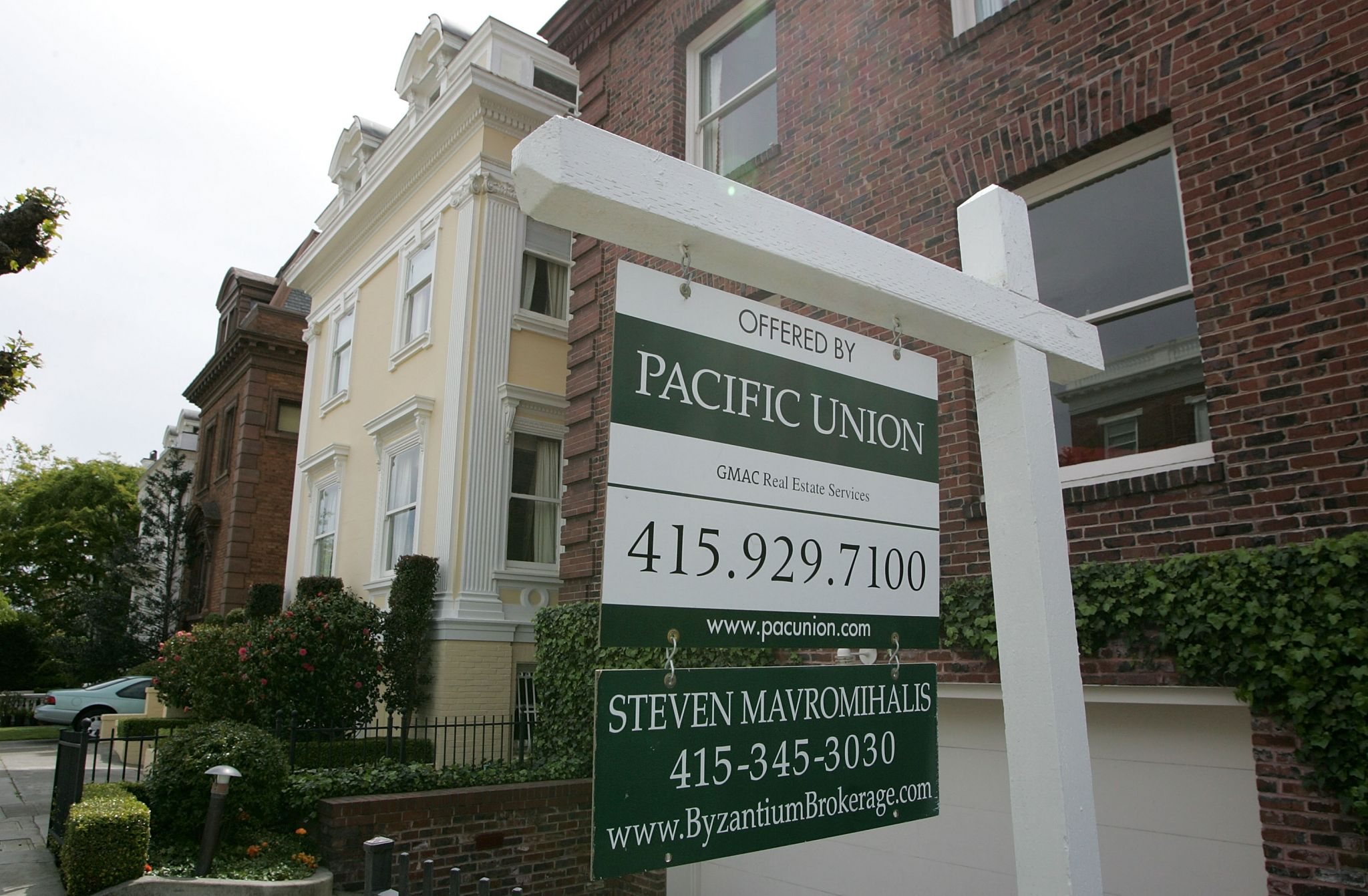 For-sale homes in San Francisco hit recession-level high