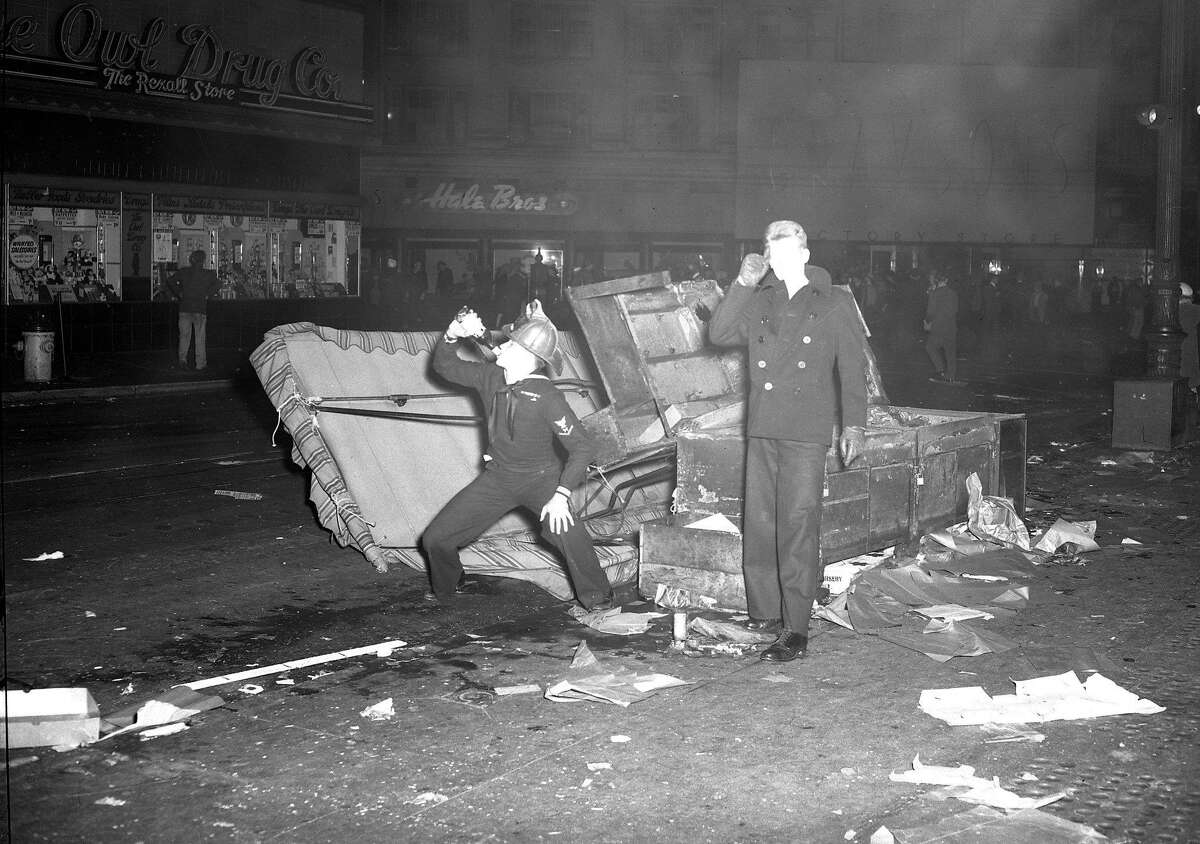 A wild V-J Day celebration turns chaotic and deadly in San Francisco, August 14-15, 1945