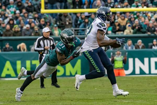 PHILADELPHIA, PA - NOVEMBER 24: Seattle Seahawks wide receiver Josh Gordon (10) runs after a catch during the National Football League game between the Seattle Seahawks and Philadelphia Eagles on November 24, 2019 at Lincoln Financial Field in Philadelphia, PA (Photo by John Jones/Icon Sportswire via Getty Images)