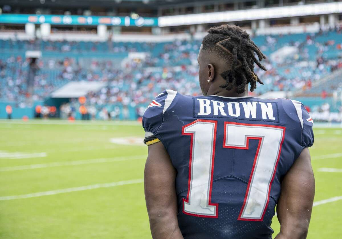 MIAMI GARDENS, FL - SEPTEMBER 15: New England Patriots Wide Receiver Antonio Brown (17) watches the game on the sidelines during the NFL game between the New England Patriots and the Miami Dolphins at the Hard Rock Stadium in Miami Gardens, Florida on September 15, 2019. (Photo by Doug Murray/Icon Sportswire via Getty Images)