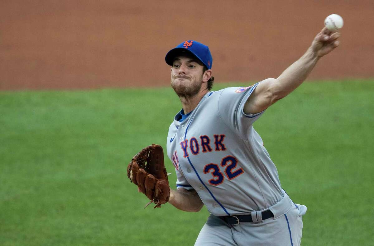 New York Mets starting pitcher Steven Matz (32) throws during the first inning of a baseball game against the Washington Nationals in Washington, Tuesday, Aug. 4, 2020. (AP Photo/Manuel Balce Ceneta)