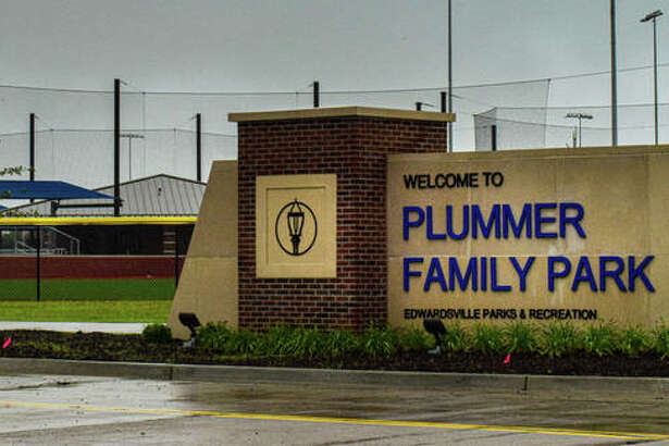Two aldermanic absences resulted in the failure of a resolution to get fencing erected at Plummer Family Sports Park Tuesday.