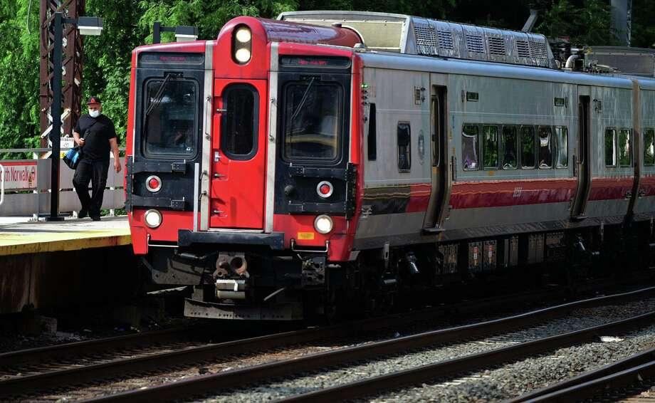 Service has been suspended on Metro-North's New Haven Line. Photo: Erik Trautmann / Hearst Connecticut Media / Norwalk Hour
