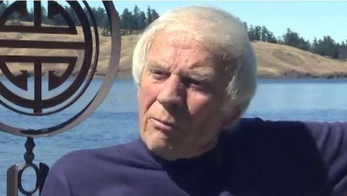 Legendary Seattle disc jockey Pat O'Day dies at 85