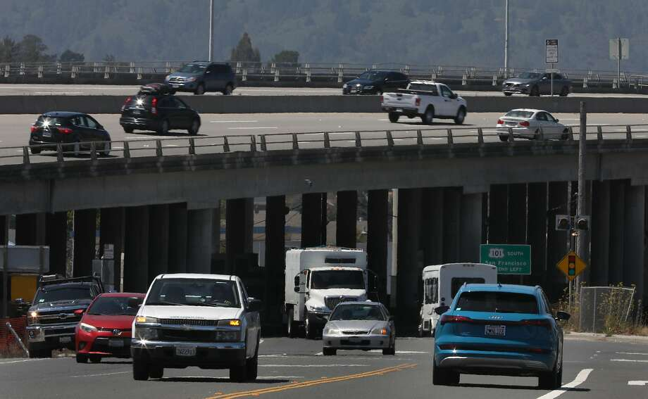 Traffic on Highway 101 through Mill Valley on Aug. 4, 2020 — sea level rise could push traffic inland, making congestion worse, a new study concludes. Photo: Liz Hafalia / The Chronicle