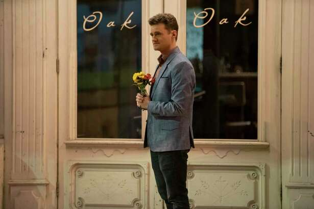 """This image released by Netflix shows Ben Samuel in an episode of """"Dating Around."""" Set in New Orleans for its second season, """"Dating Around"""" features a principle dater each episode who goes on five blind dates. At the end of each episode, a person is chosen for a second date. (Annie Flanagan/Netflix via AP)"""
