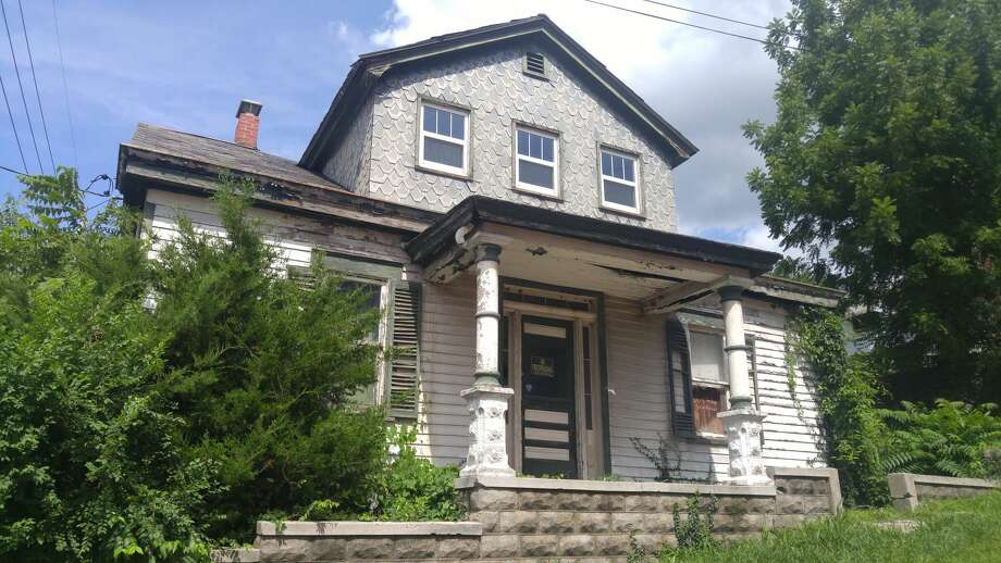 Wilhelm House, located at 314 Oak St. in Alton, was one of two homes gifted to the Alton Museum of History and Art in 1987 by Corida Koenig Hanna. Photo: Jeanie Stephens   The Telegraph