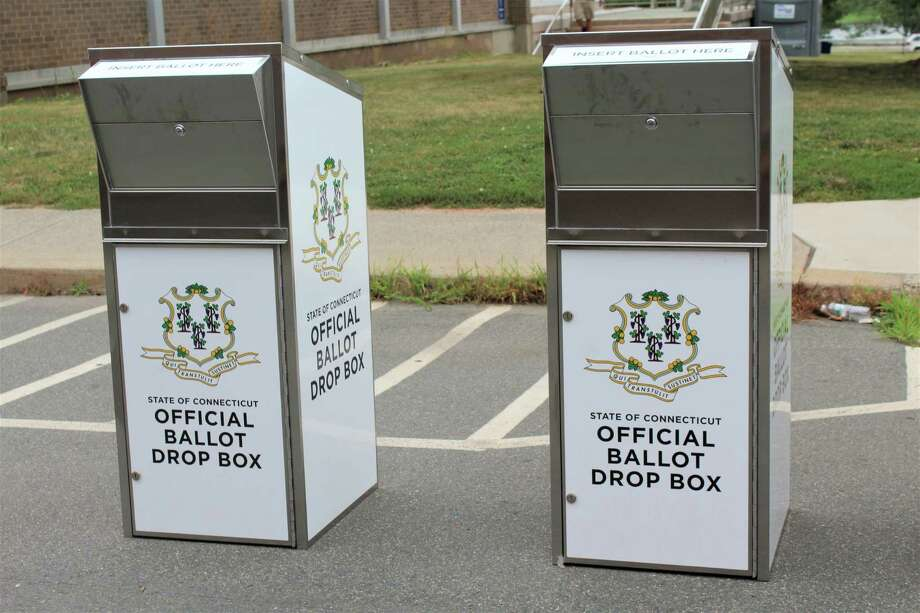 Middletown City Hall has absentee ballot boxes located at Court Street and Melilli Plaza. Photo: Cassandra Day / Hearst Connecticut Media