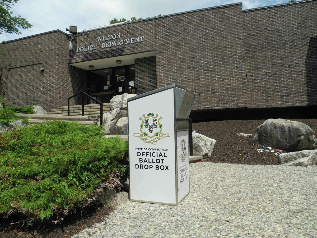 Absentee ballot applications for the Nov. 3 election will be mailed beginning this week.