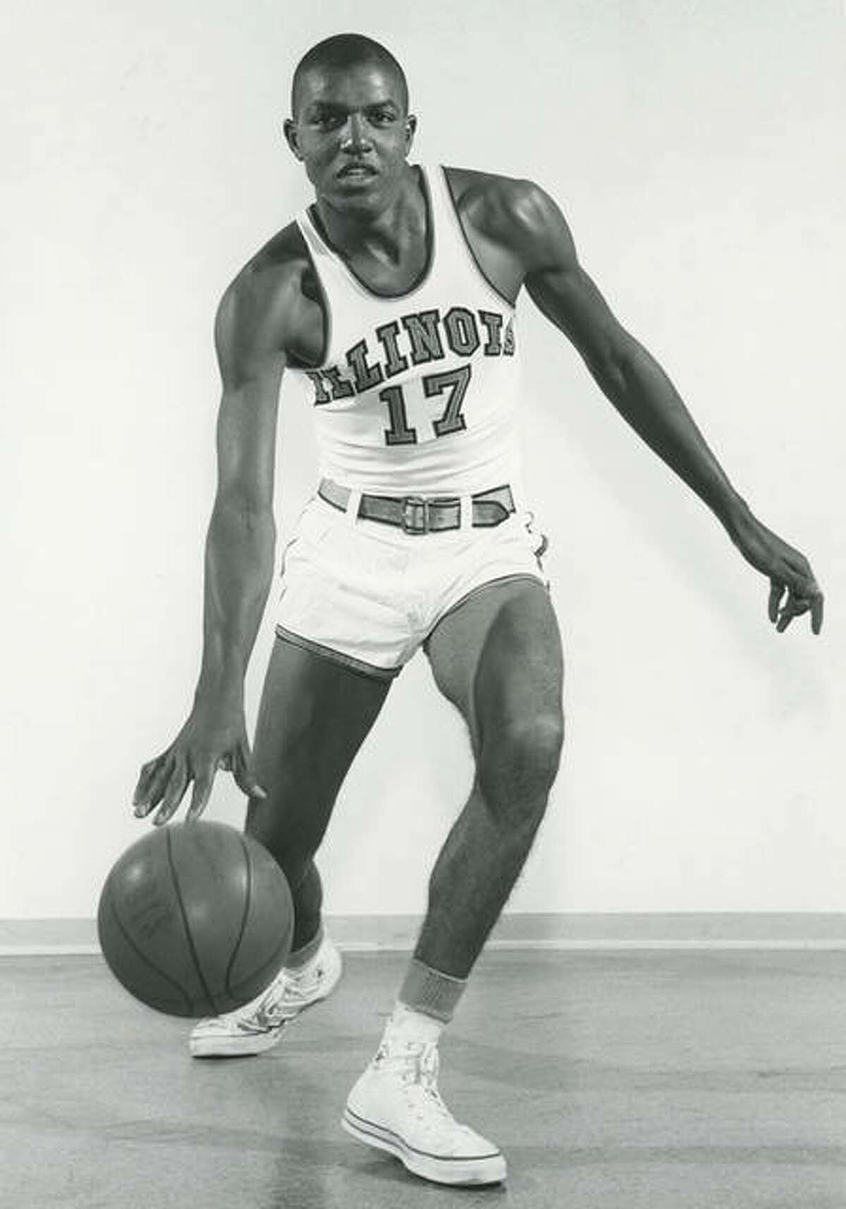 A two-time honorable mention All-American at Illinois, Edwardsville graduate Govoner Vaughn was the MVP for the Illini during his senior season in 1959-60.