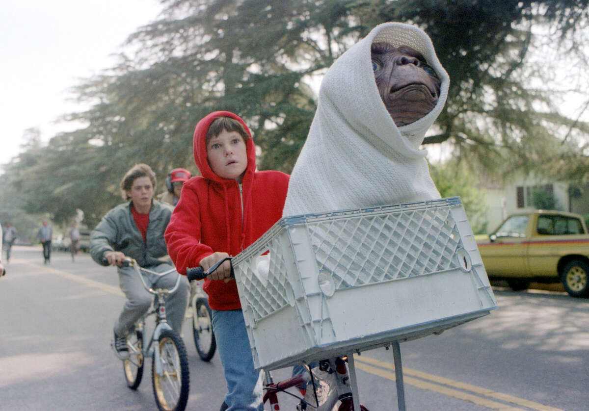 E.T. the Extra-Terrestrial (1982) Available on Netflix December 1