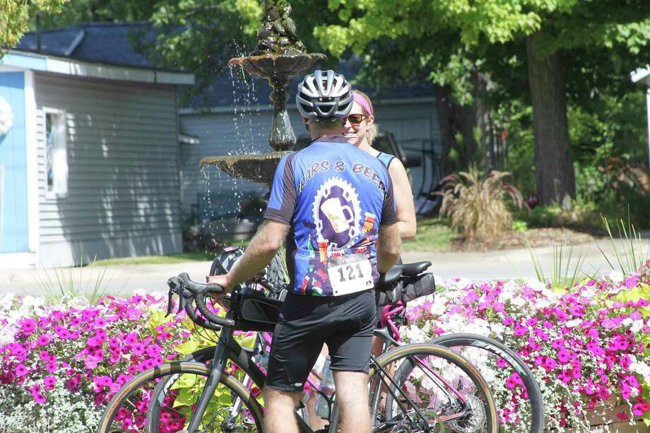 Riders chat during last year's Big Bear Butt Cruise. (News Advocate file photo)