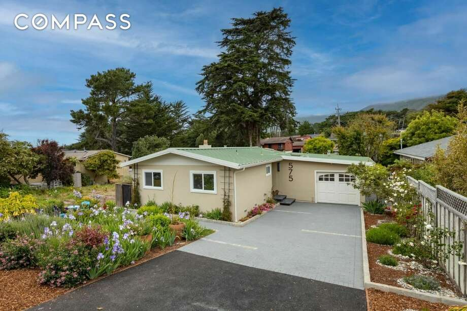 "San Carlos 3Ne Of 13th Avenue. Carmel, CA PRICE: $2,300,000 DESCRIPTION: This traditional, 3-bedroom, 3-bath, single-level home located in Carmel's ""Golden Rectangle"" offers comfortable living with 2 master suites, both with a separate outside entrance. On a larger 6000 sq ft lot. the property is conveniently located south of Ocean Avenue not far from downtown and the beach. The home is bright and cheerful with abundant skylights and glass. There is a private front deck with fire-pit for outdoor entertaining. This well-maintained, turnkey home is available fully furnished and would be a great vacation home or permanent residence. YEAR: 1978 BEDROOMS: 3 MLS ID: 81763074 AGENT: Tim Allen BROKERAGE: Coldwell Banker Realty - Carmel-by-the-Sea/Junipero Photos and listing copyright 2020 by Coldwell Banker Realty - Carmel-by-the-Sea/Junipero and associated MLS."