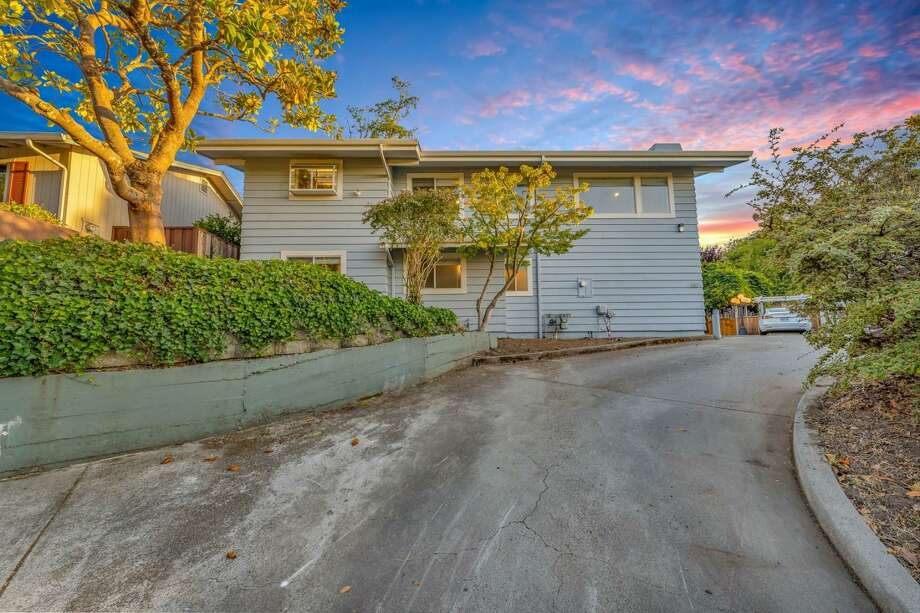 208 Venetian RD. Aptos, CA PRICE: $1,999,900 DESCRIPTION: This Grand English Tudor Rose Manor has been a family reunion vacation home for years. Built in 1922 its charm lives on! It's a EZ walk to the sand of Seacliff and Rio Del Mar Beach. Imagine a walk to the beach for lunch, exercise or meetings? A home office, home school could easily be in the sun rm, or game room or one of the bedrooms. There are 6 BR - 4 BA, 2755 SF on a 7144 SF lot. The mostly stand up attic could add approx 733 SF. The new elevator will take you to all 3 floors when it is completed. The Sanbar Solar system was installed 2018 it is owned with a 25 year guarantee. The electricity has been upgraded at the same time the West Wing-King Suite was built in 2016. This has been a successful vacation rental business for many years. The VR Permit for this house has expired. If the buyer wants to rent again they will have to apply for a new permit in the lottery in Jan 2021. The owner is able to show a buyer how she ran the business and sell it as is with all furniture etc. SIZE: 2755 square feet YEAR: 1922 BEDROOMS: 6 MLS ID: ml81806696 AGENT: Sandy Wallace BROKERAGE: eXp Realty of California Inc. Photos and listing copyright 2020 by eXp Realty of California Inc. and associated MLS.