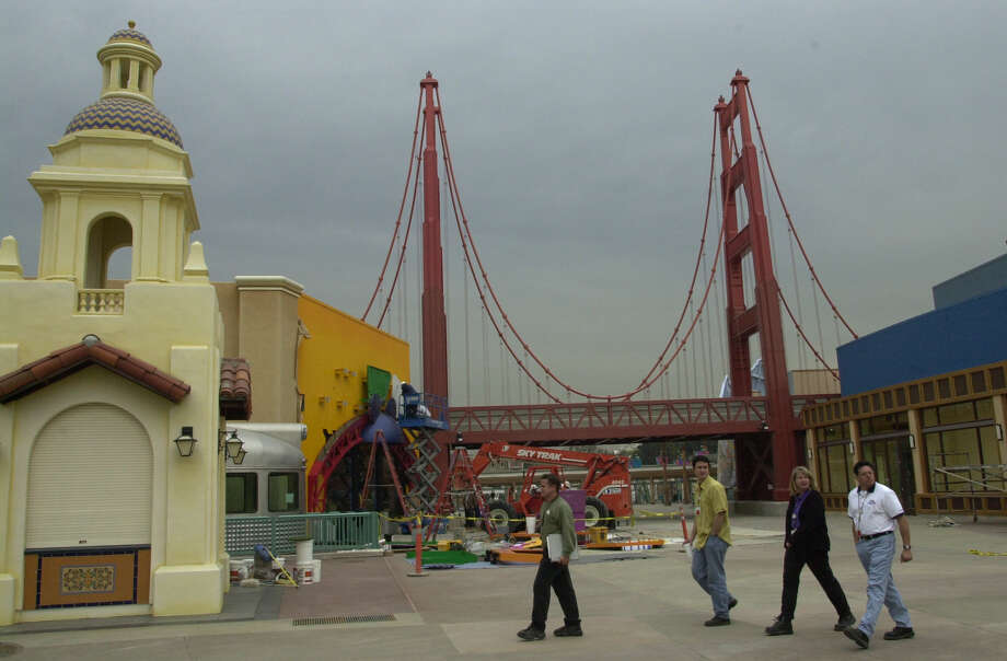 A replica of the Golden Gate Bridge is one element of the entrance to Disney's California Adventure Park, photographed here at its opening in 2001. Photo: Don Kelsen/Los Angeles Times Via Getty Imag / 2015 Los Angeles Times