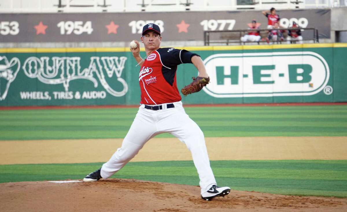 Henry Omana joined the Tecolotes late last season and went 1-2 as a starter with a 7.65 ERA.