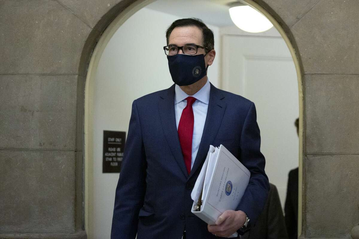 Steven Mnuchin, U.S. Treasury secretary, arrives for a meeting at the U.S. Capitol in Washington, D.C., U.S. on Friday, Aug. 7, 2020. An offer from Democrats to come down by $1 trillion for a stimulus deal is