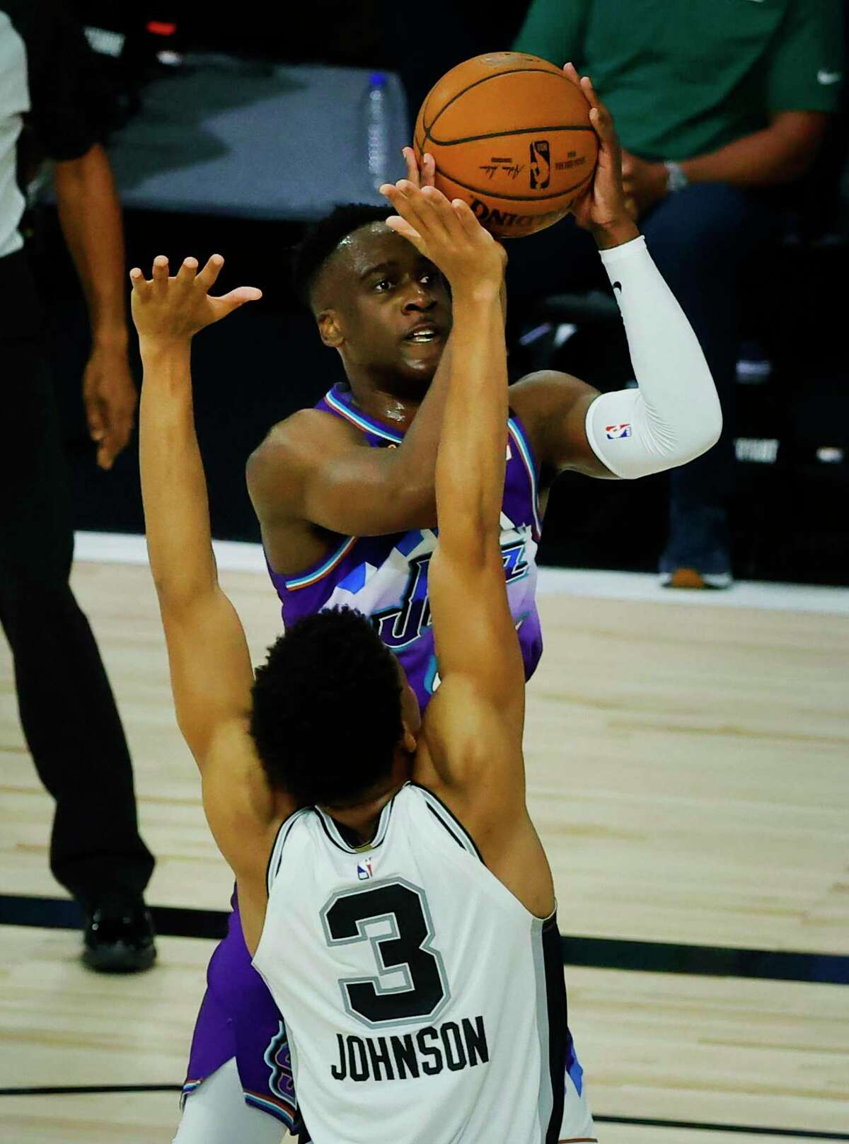 Former Yale star Miye Oni puts up a shot for the Utah Jazz in a loss to San Antonio on Friday. Oni had 14 points and seven rebounds in 30 minutes in his first career start.