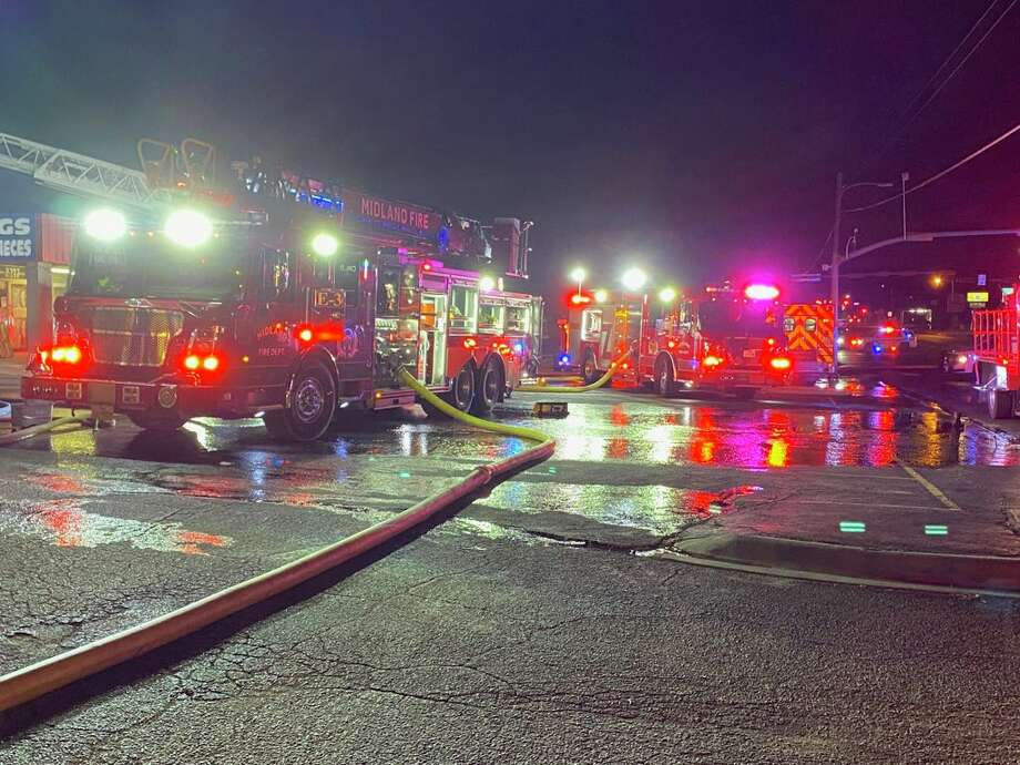 Multiple engines responded to a fire in a strip center west of Big Spring Street and Scharbauer Drive Photo: Stewart Doreen/Midland Reporter-Telegram