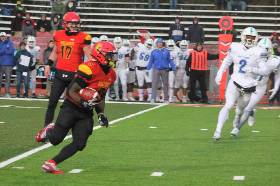 Marvin Campbell (6) is expected to be among Ferris' too offensive weapons this season. (Pioneer file photo)
