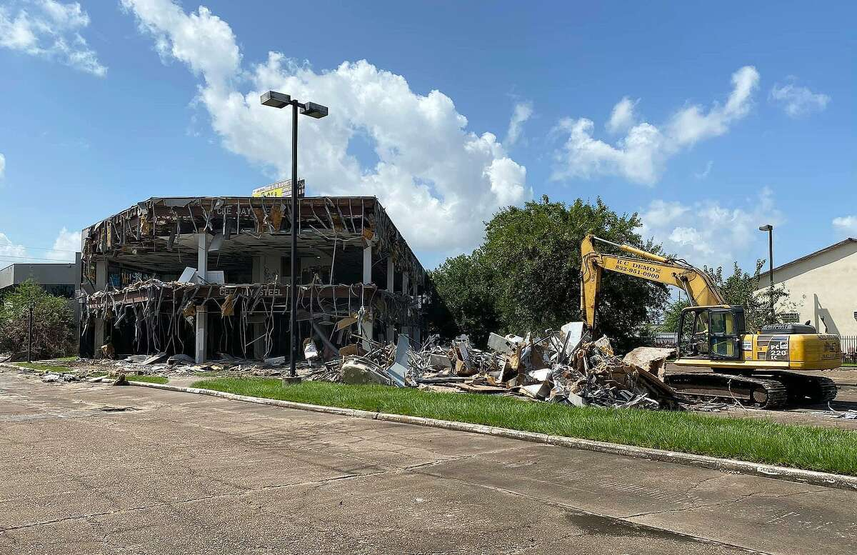 The office building was a two-story, Class B multi-tenant office building located on approximately 2.0 acres in the submarket. It was located along FM 1960 between Interstate 45 and TX 249 (Tomball Parkway), just minutes from George Bush Intercontinental Airport. It sat on prime real estate surrounded by master-planned communities, fine restaurants and multiple retailers.
