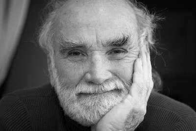 Matthew Herron, an award-winning photojournalist and activist known for documenting the civil rights movement, died in a glider crash on Friday afternoon. He was 89 years old.