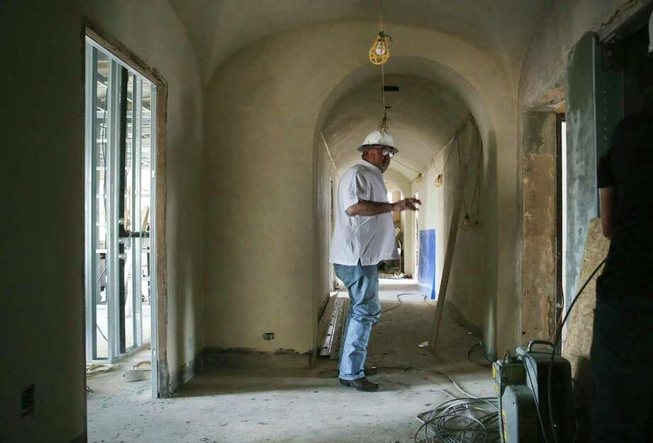 San Antonio developer Craig Glendenning is renovating the downtown building to include apartments. Photo: Bob Owen /San Antonio Express-News / ©2020 San Antonio Express-News