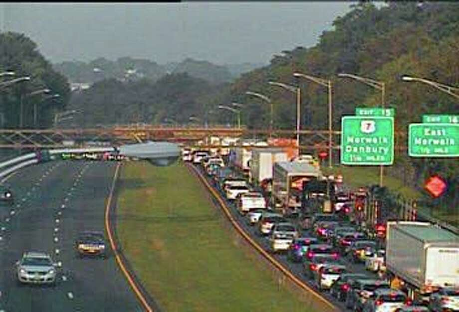 Southbound lanes on I-95 in the Westport-Norwalk area are closed because of a multi-vehicle accident involving a tractor-trailer truck on Tuesday, Aug. 11, 2020. Photo: CT DOT Traffic Cam